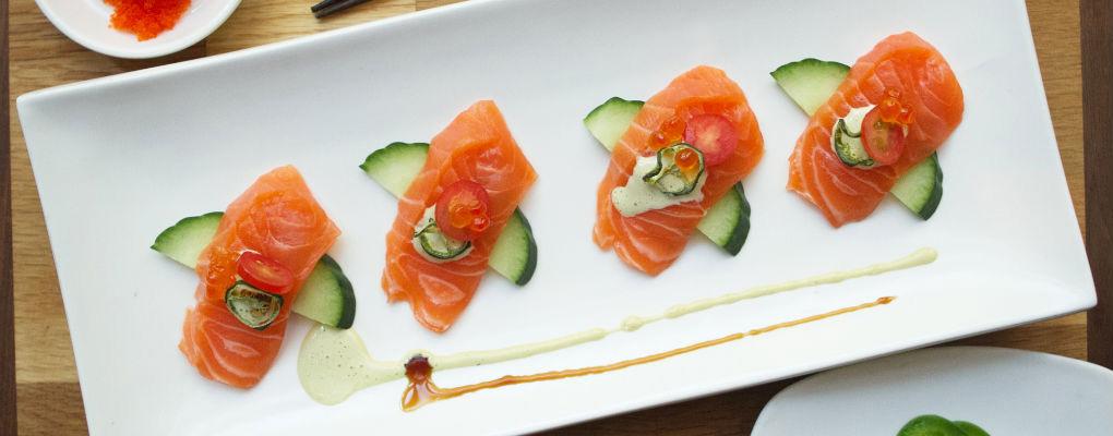 Douzo-Salmon-Sushi